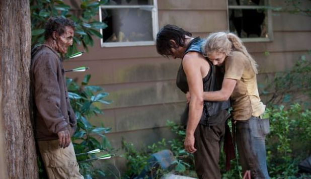 Detalles de la temporada 5 de The Walking Dead - Beth y Daryl