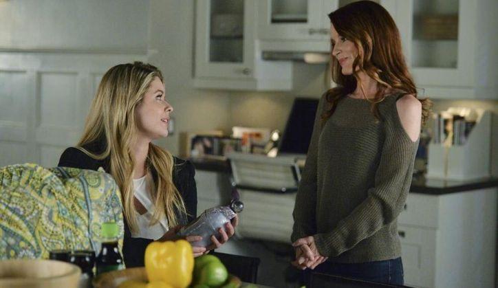 Pretty Little Liars 5x08: Alison se refugia en casa de Hanna y se aprovecha de la ingenuidad de su madre para buscar apoyo entre los adultos.