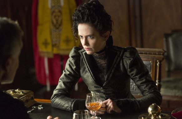 Penny Dreadful 1x08 - Grand Guignol - Eva Green tomando una copaPenny Dreadful 1x08 - Grand Guignol - Eva Green tomando una copa