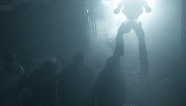 Falling Skies 4x07 El Overlord prepara una gran ofensiva de Mechs y Beamers para encontrar a Tom Mason.