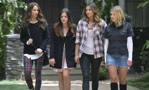 Pretty Little Liars 5x10: Finalmente las chicas se unen para desmontar las mentiras de Alison antes de que sea demasiado tarde.