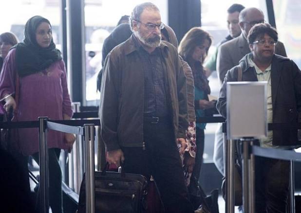 Homeland 4x05 - Saul en el aeropuerto de Islamabad