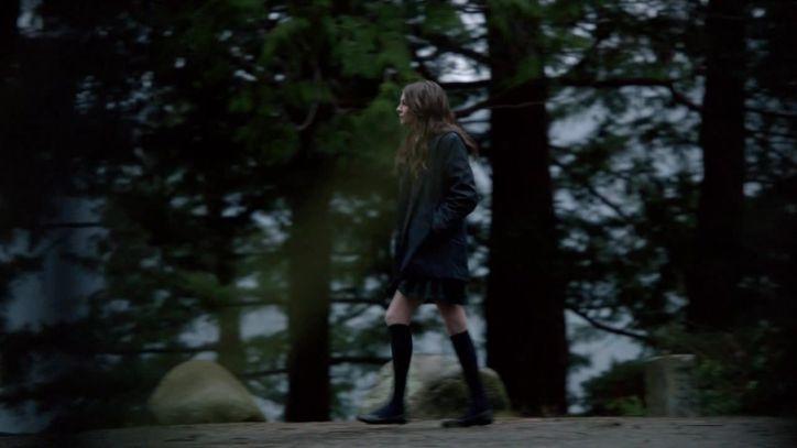 Arrow 3x14: Thea es la más afectada por la ausencia de Oliver en el pasado, ya que intenta sobreponerse mediante drogas.