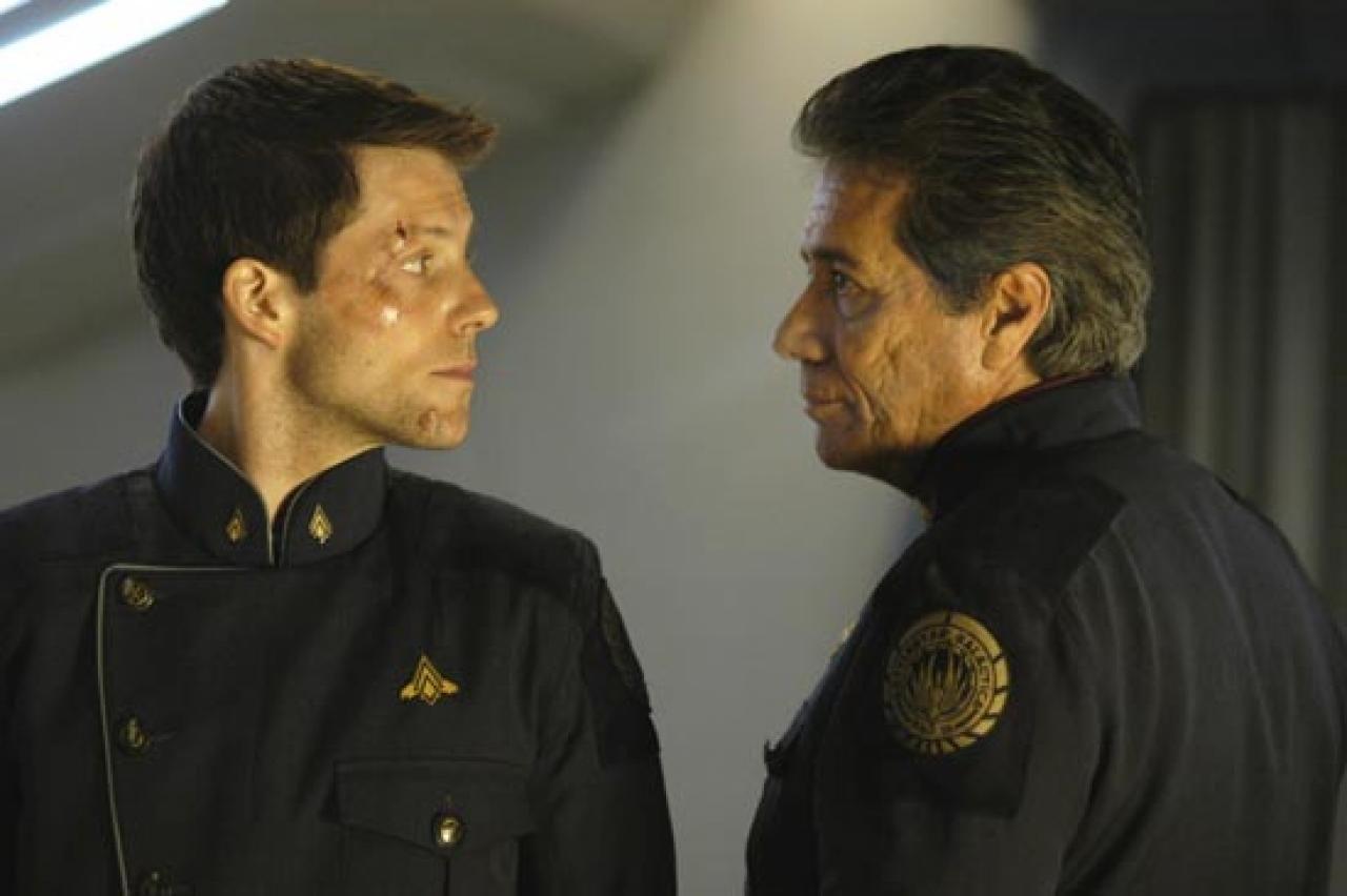 primera-temporada-battlestar-galactica-t1-adama-vs-adama