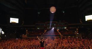 Entrevista a Grillö, un cantautor entregado a la energía positiva