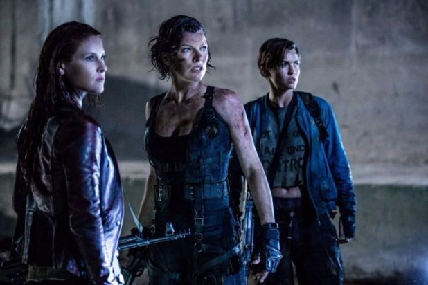 Milla Jovovic, Ali Larter y Ruby Rose en 'Resident Evil: Capítulo final'