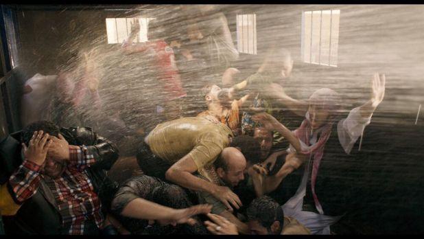 Mohamed Diab nos introduce en un furgón policial en Clash su última película