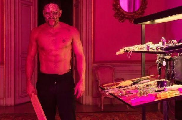 Mario Casas desnudo en 'Instinto' (Movistar+)