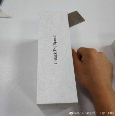 OnePlus-6-retail-box-d