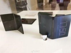 Alcatel-Foldable-phones-b