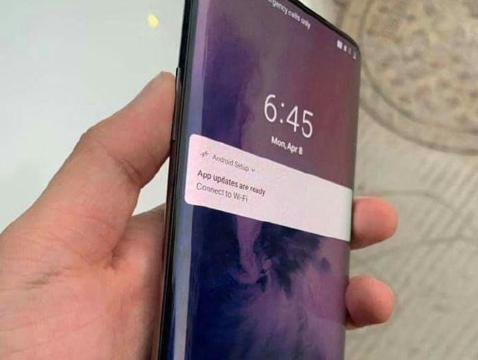 Xiaomi quiere competir con el OnePlus 7 Pro y su pantalla a 90 Hz.