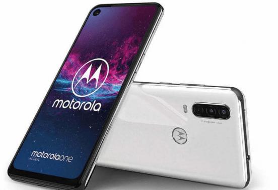 Los nuevos Moto G8 podrían ser similares a la línea One, aunque no está confirmado.