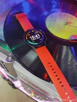Mi-Watch-Color-live-photo-b