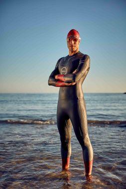 Mens-Vanquish-Wetsuit-lifestyle-2