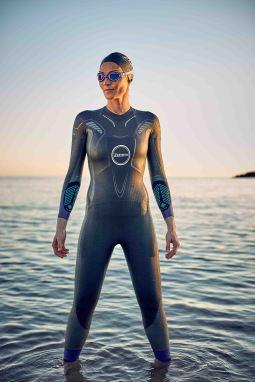 Womens-Vanquish-Wetsuit-Lifestyle-31