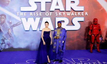 Star Wars repite liderato en taquilla de EU