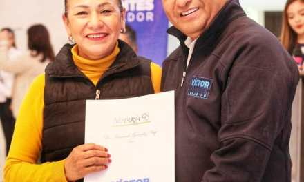 ENTREGA VICTOR FUENTES 300 TESTAMENTOS A FAMILIAS NICOLAÍTAS
