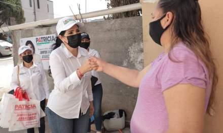 PATRICIA SALAZAR RECORRE COLONIAS DEL MUNICIPIO PARA ESCUCHAR LAS INQUIETUDES DE ALLENDE Y REFORZARLAS EN CASO DE LLEGAR DE NUEVO A LA ALCALDÍA