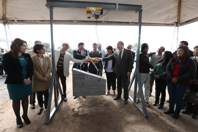 Colocan primera piedra de la nueva Prepa Regional de la UdeG
