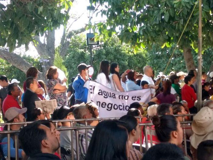 Asistentes al mitin de López Obrador en Lagos de Moreno. Foto: Claudia Hernández