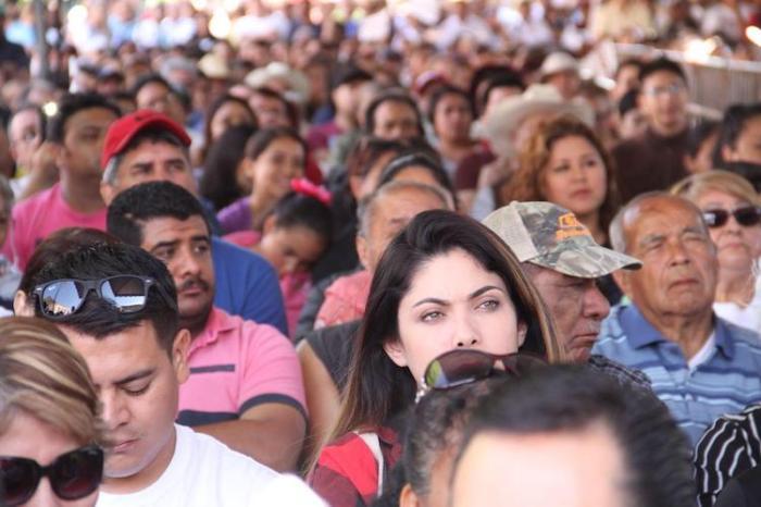 Asistentes al mitin de Andrés Manuel López Obrador en Lagos de Moreno
