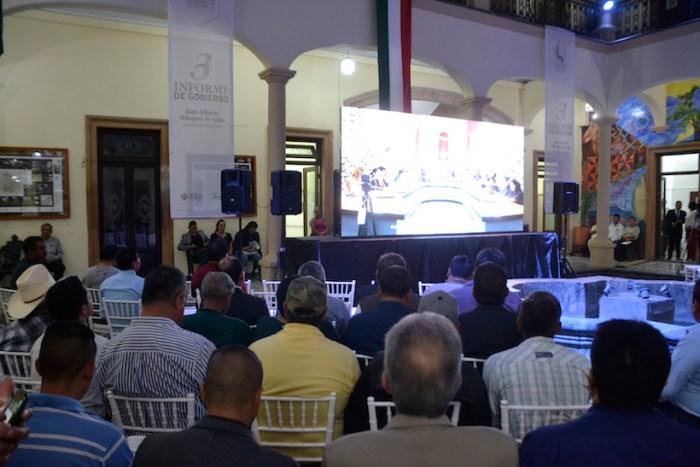 Asistentes al informe de Juan Alberto Márquez de Anda en el tercer informe de Gobierno de Lagos de Moreno. Foto: Gobierno de Lagos de Moreno