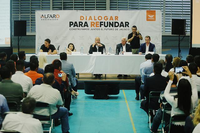 Dialogar para refundar, presentando la política deportiva de Enrique Alfaro
