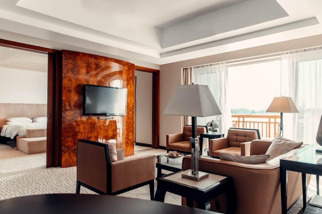 salon suite park hyatt dubai