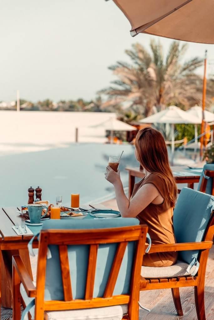 main restaurant ritz carlton al hamra beach