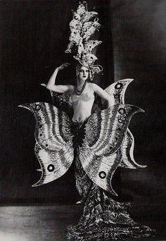 Folies Bergere-1909