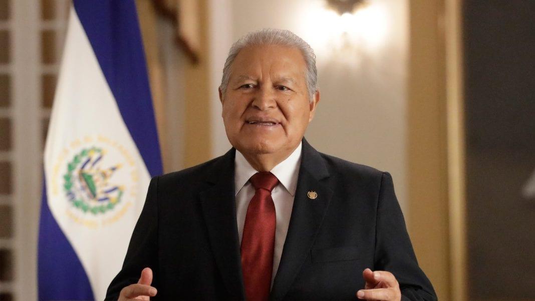 Ex presidente Sánchez Cerén rechaza campaña de EEUU contra médicos cubanos