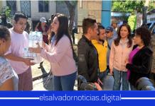 El gobierno de Nayib Bukele trabajando en la calle con los Salvadoreños.