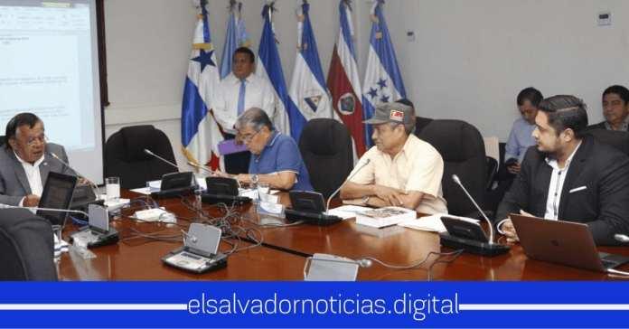Diputados Beltran Bonilla y Diablito Ruiz dieron la ORDEN de Silenciar Osiris Luna