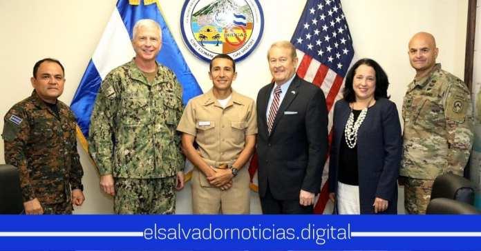 Ministro de Defensa se reúne con representantes del Ejército de Estados Unidos