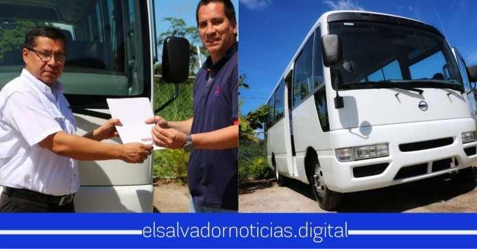 Privados de Libertad recibe microbús para que su viaje se más placentero al apoyo de las comunidades