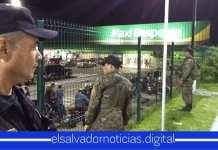 Policía Nacional Civil se hace presente en paradas y supermercados para brindar seguridad a todos los salvadoreños