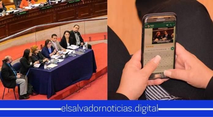 Asesores de diputados en la Asamblea hacen MEMES de la Interpelación a la Ministra de Salud