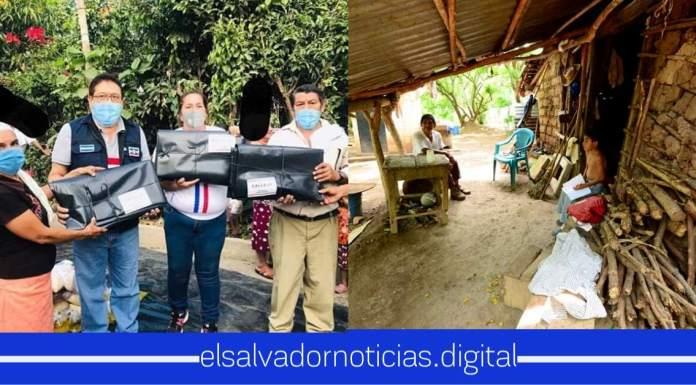 """ARENA se burla de los salvadoreños más necesitados en la crisis de COVID-19 regalando """"carpetas"""""""