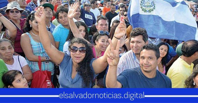 Salvadoreños hacen gesto solidario de corazón y ofrecen sus salarios a familias de escasos recursos afectadas por la pandemia del COVID-19