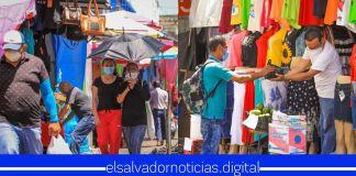 Así de abarrotado se encuentra el Centro Histórico de San Salvador, a pesar de ser el epicentro de la pandemia