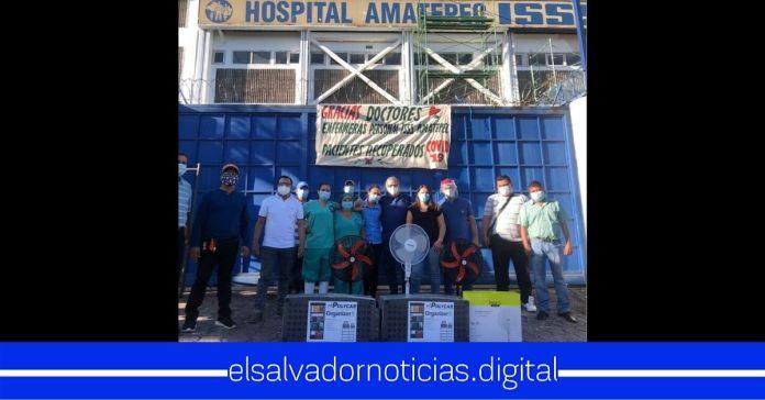 Pacientes recuperados de COVID-19 se organizan y agradecen al personal médico de esta manera