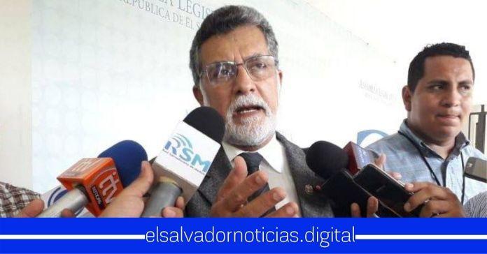 Schafik Handal le exige al pueblo que acepte que el FMLN les cambió la vida