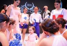 La pequeña Layla se prepara para seguir los pasos de su mamá Gabriela de Bukele. Ayer se inauguró el Ballet Nacional