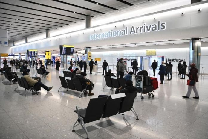 Reino Unido estudia un cierre total de las fronteras por el aumento descontrolado de contagios