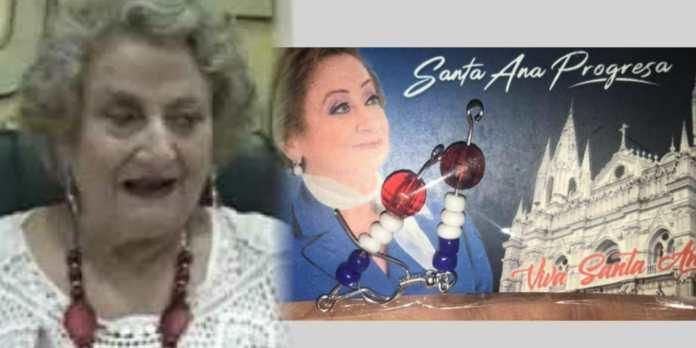 Alcaldesa de Santa Ana afirma que regalando aritos, le resolverá los problemas a la gente