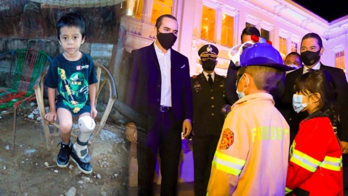 Samuelito, el niño al que FUNTER ignoró, conoció al presidente Nayib Bukele, quien le prometió que lo apoyaría en su sueño de ser bombero.