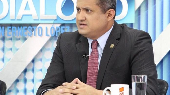 Emilio 'Kiko' Corea obstaculiza el trabajo del Gobierno impidiendo entrar al personal de las Secretarías y empleados de la PNC a la Asamblea