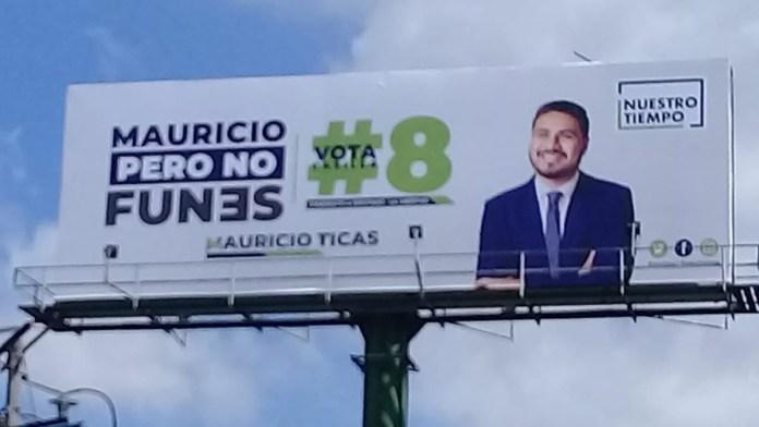 Nuestro Tiempo está desesperado por no parecer los mismos ladrones de siempre, en sus campañas hacen alusión a Mauricio Funes