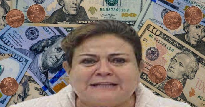 Diputada de ARENA jura que jamás en su vida ha recibido un centavo de sobresueldos