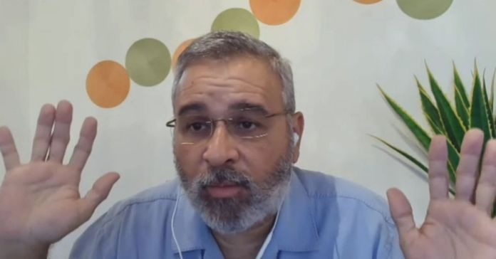 Mauricio Funes acepta que si se hubiese quedado en El Salvador estaría preso, pero prefirió huir del país para no enfrentar la justicia